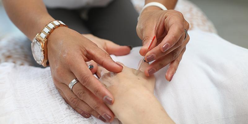 Acupuncteurs : Pourquoi Devriez-vous Considérer L'assurance Médicale Et De Perte De Revenu?